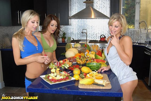 Смотреть фруктовый онлайн