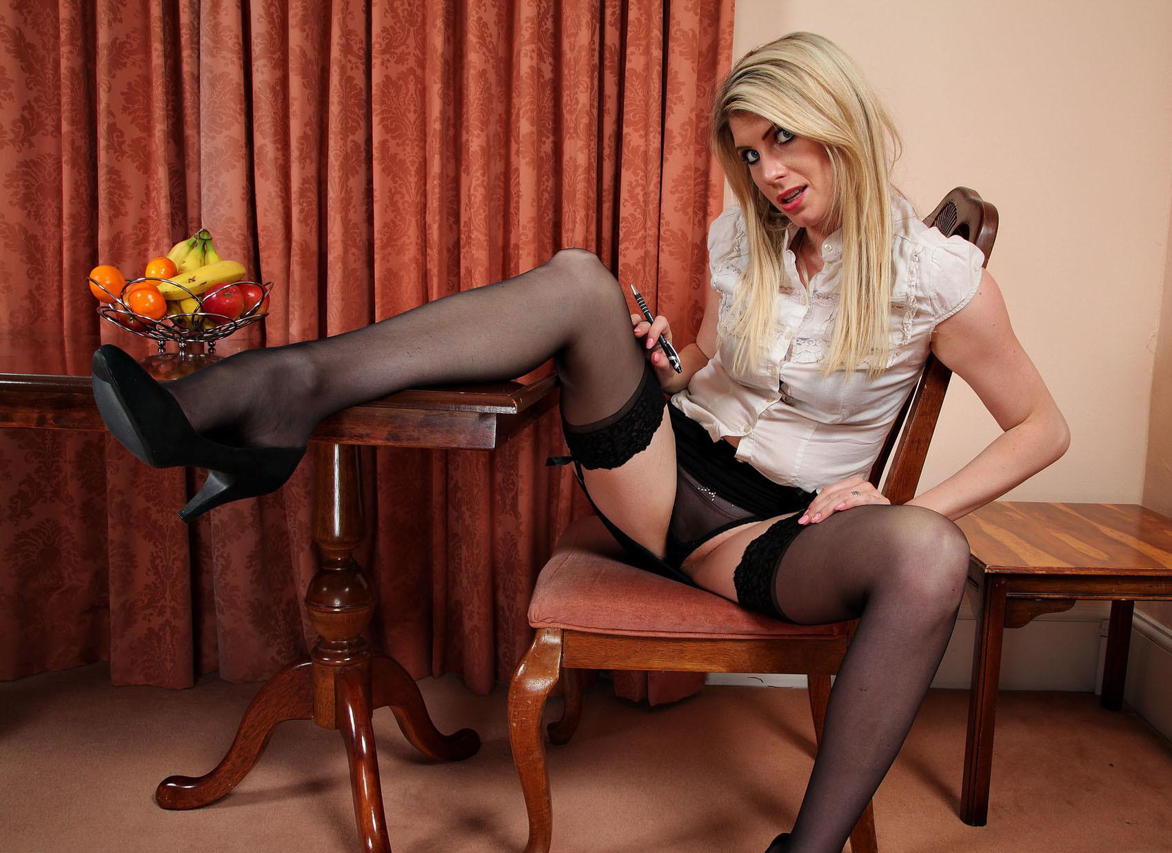 Смотреть блонда онлайн